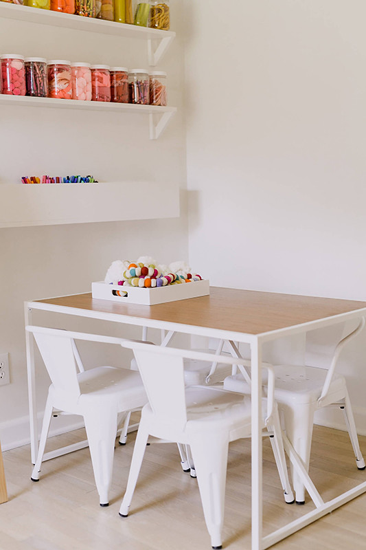 06-Playroom-table-DIY