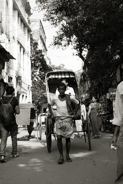Marginal mobilities of hand-pulled rickshaws and rickshaw-pullers in Kolkata