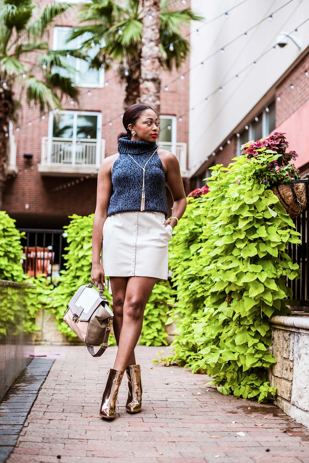how to wear a faux leather skirt