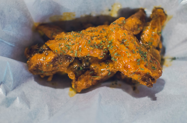 Buffalo Swing Hot Chicken Wings