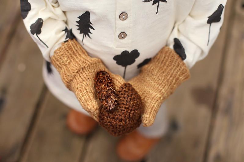 acorn mitts