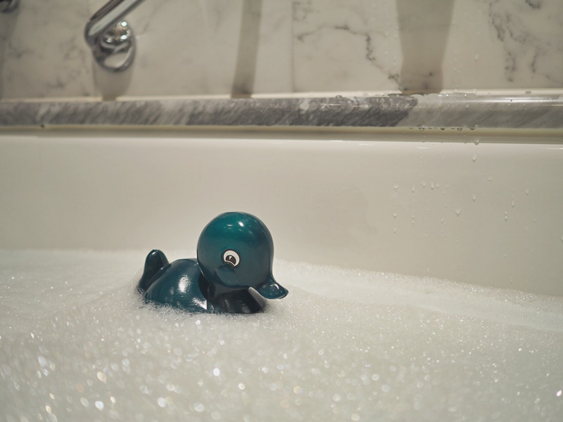 Hotelli Kämp kumiankka kylpyamme
