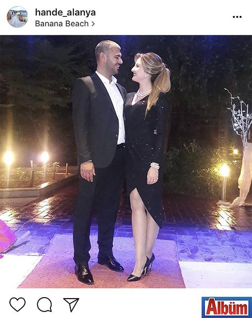 Elif A.Ş'de Muhasebeci Hande Alanya, Banana Beach Hotel'de düzenlenen düğün töreninden eşi Tolgahan Alanya ile çektirdiği bu fotoğrafla beğeni topladı.