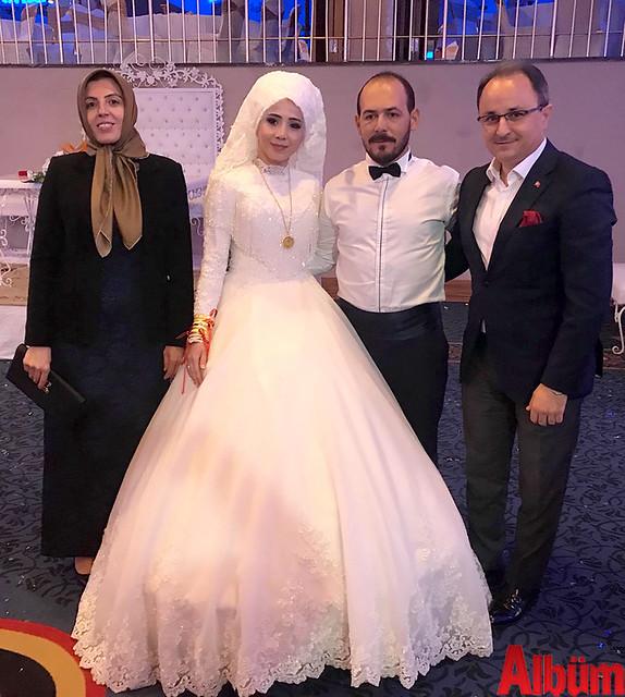 Nurettin Uludağ ve eşi de genç çifti yalnız bırakmadı