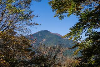 武甲山を見上げる@妻坂峠