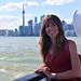 5. Diana en el ferry hacia Ward's Island con el skyline de Toronto al fondo