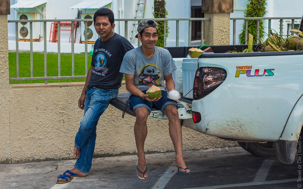 december.2017-Kata-Beach-Phuket-canon-7304