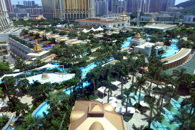 Galaxy_Macau_Grand_Resort_Deck_Overview_2016