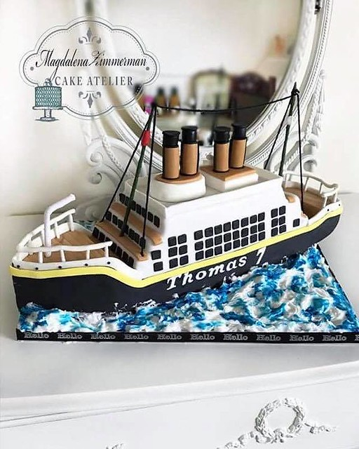 Cake by Magdalena Zimmerman Cake Atelier