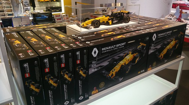 Renault R.S. 17 Creator Scale LCP set boxes