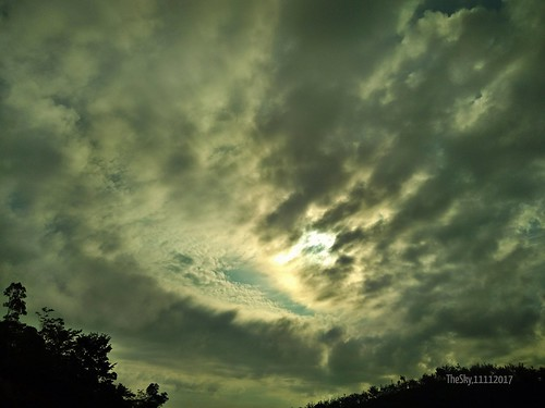 scenes scenery random misc sky bluesky skyview 1111 11112017 11november november november11 2017 malaysia clouds flickrcentral flickr unlimitedphotos unlimited photos pictures
