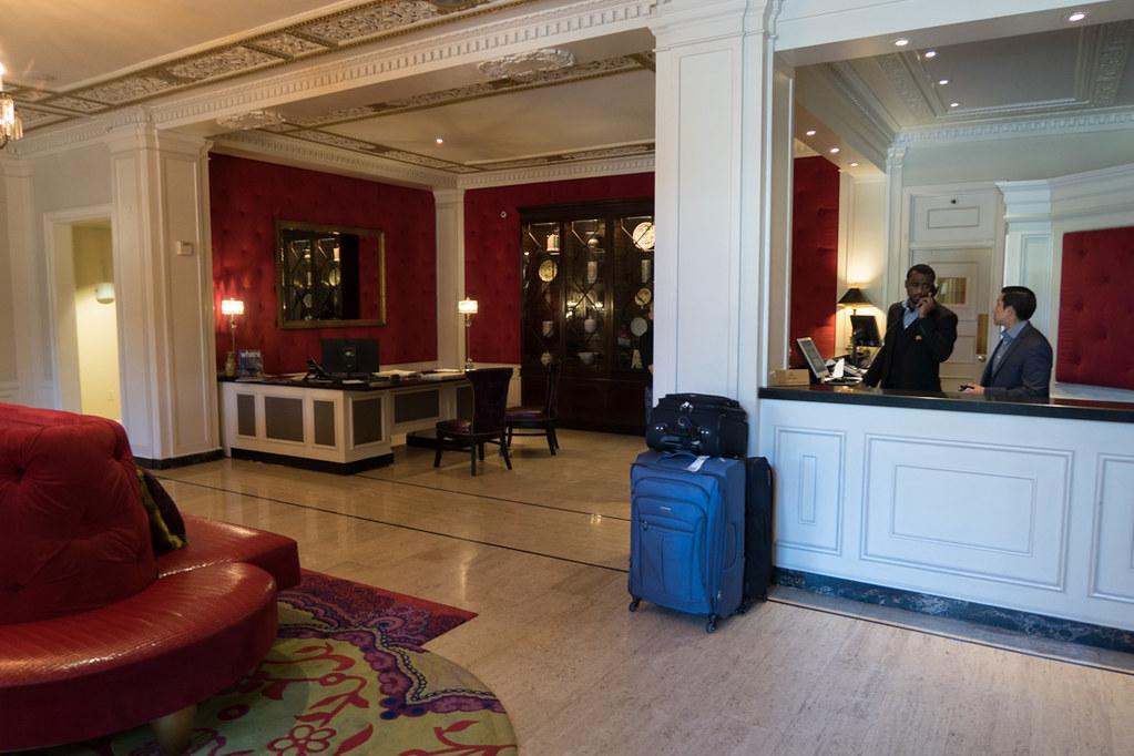 Scarlet Huntington Lobby