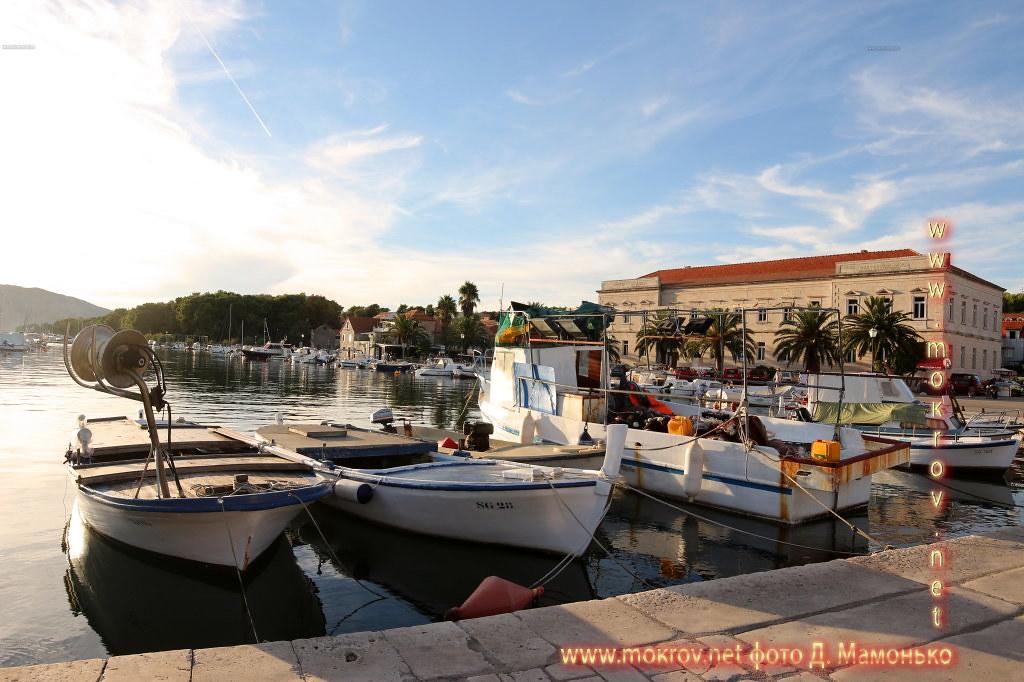 Хвар — остров в Адриатическом море, в южной части Хорватии живописные жанровые фотографии