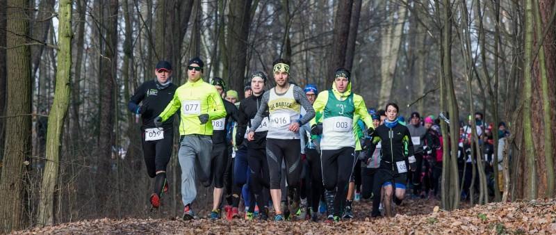 První Veveří trail vyhrál po velkém boji Kozlík, pokračování bude