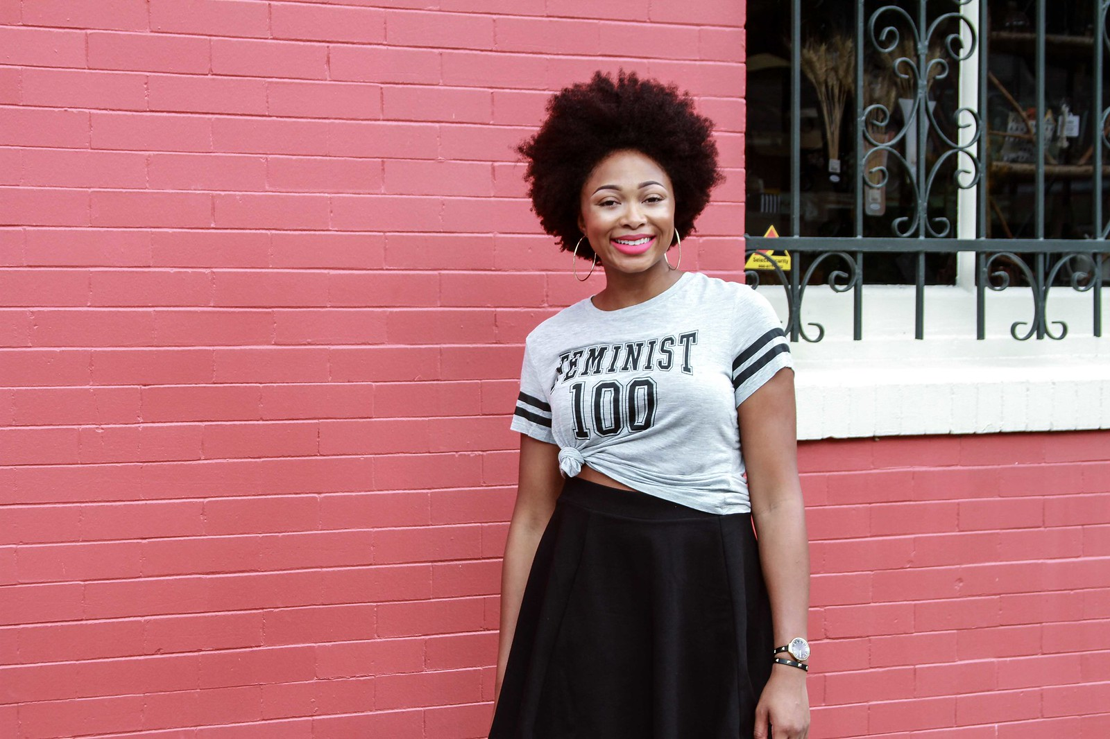 how to style a screen print tee