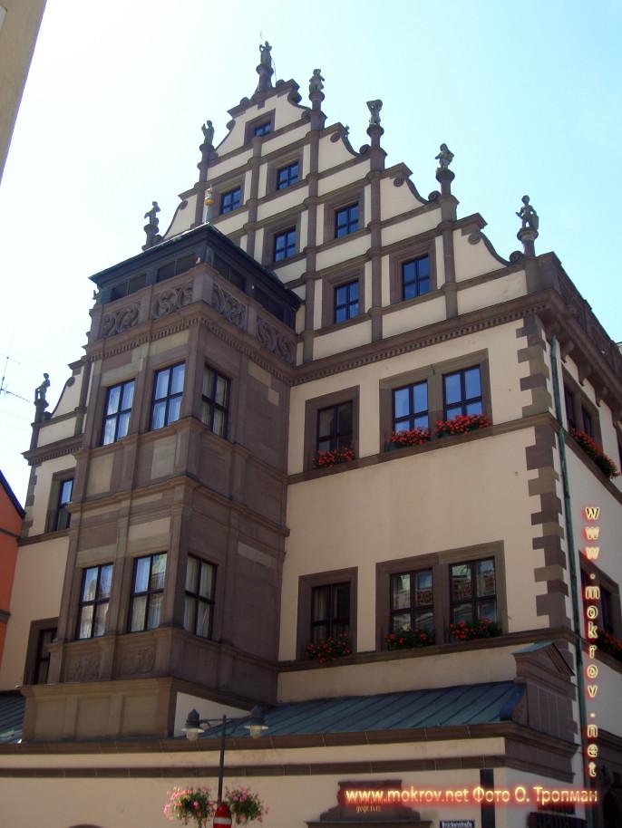 Исторический центр Швайнфурта фотографии сделанные днем и вечером