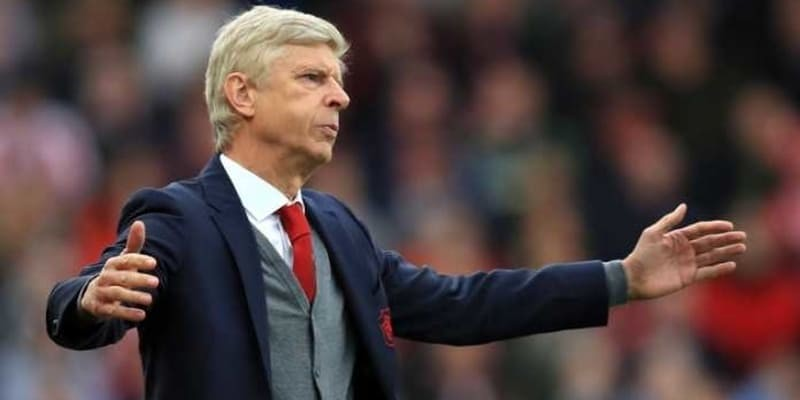 Arsenal Menang Besar, Wenger Malah Tak Puas