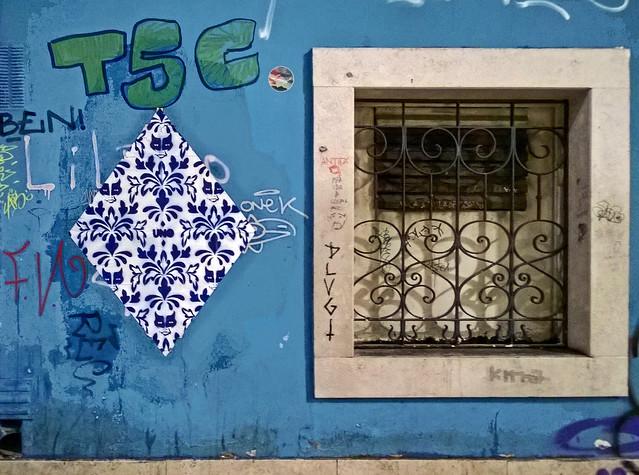 UNO - Azul - Bairro Alto - LISBOA (PT)