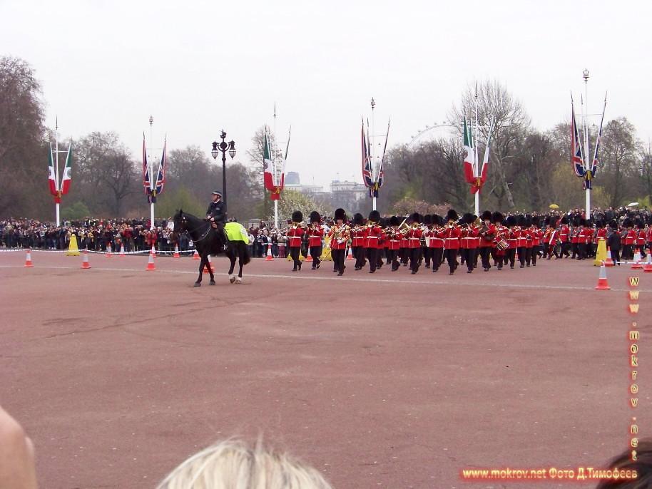 Лондон прогулки туристов с фотокамерой
