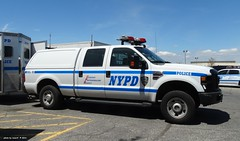 NYPD - Mounted Unit - 2009 Ford F250 Super Duty Pickup 9902 (1)