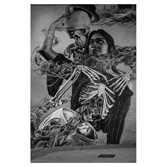 Death and the Maiden XPro2 . #xpro2 #fujixpro2 #fujifeed #fujifilm #fujilove #myfujilove #fujifilm_xseries #fujifilmusa #fujifilmnordic #fujifilmme #fujifilm_uk #twitter #geoffroyschied #streetphotography #everybodystreet #streetphoto #street #blackandwhi