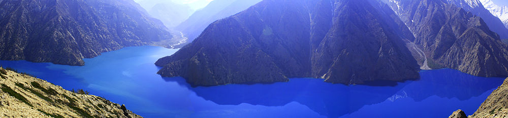 Lake_Phoksundo_in_Dolpo,_Nepal