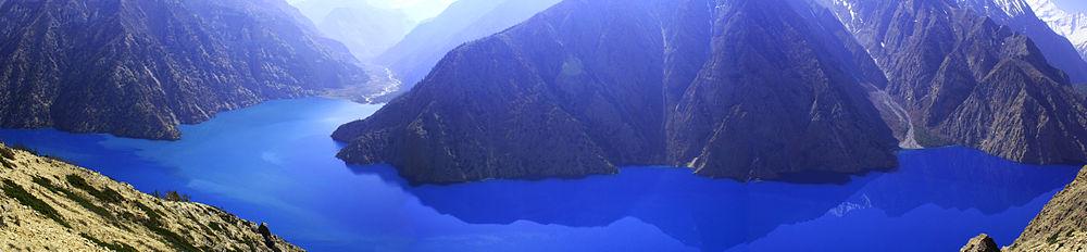 Lake_Phoksundo_in_Dolpo,_Nepal