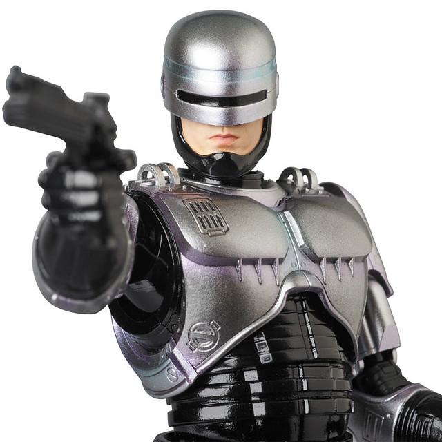 30週年記念之作!MAFEX 經典科幻電影《機器戰警》!マフェックス No.67 MAFEX ROBOCOP