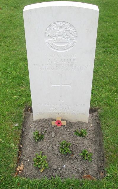 WW 2 Grave, Poelcapelle War Cemetery