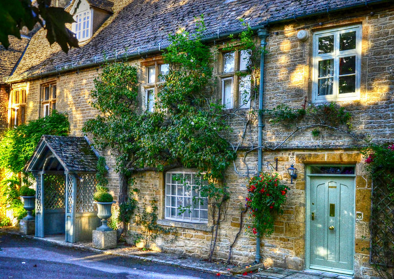 Cotswold cottages, Stow-on-the-Wold, Gloucestershire. Credit Baz Richardson, flickr