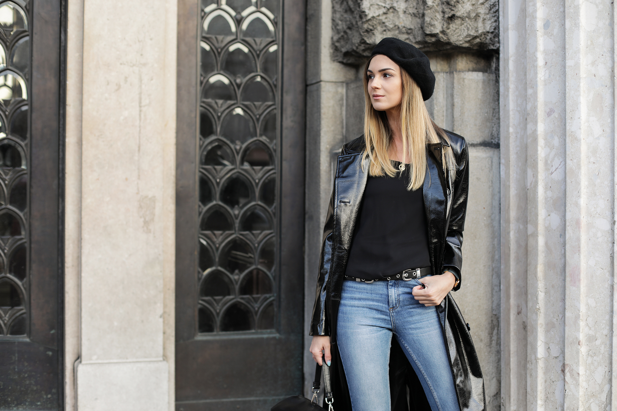 how-to-wear-a-black-beret