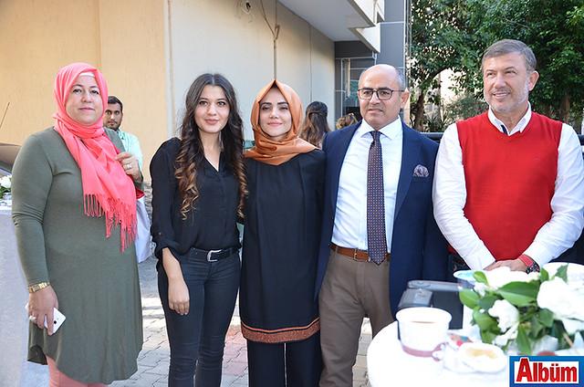 Diyetisyen Esin Bozkurt'un kliniğinin açılışına Tanju Çolak da geldi.