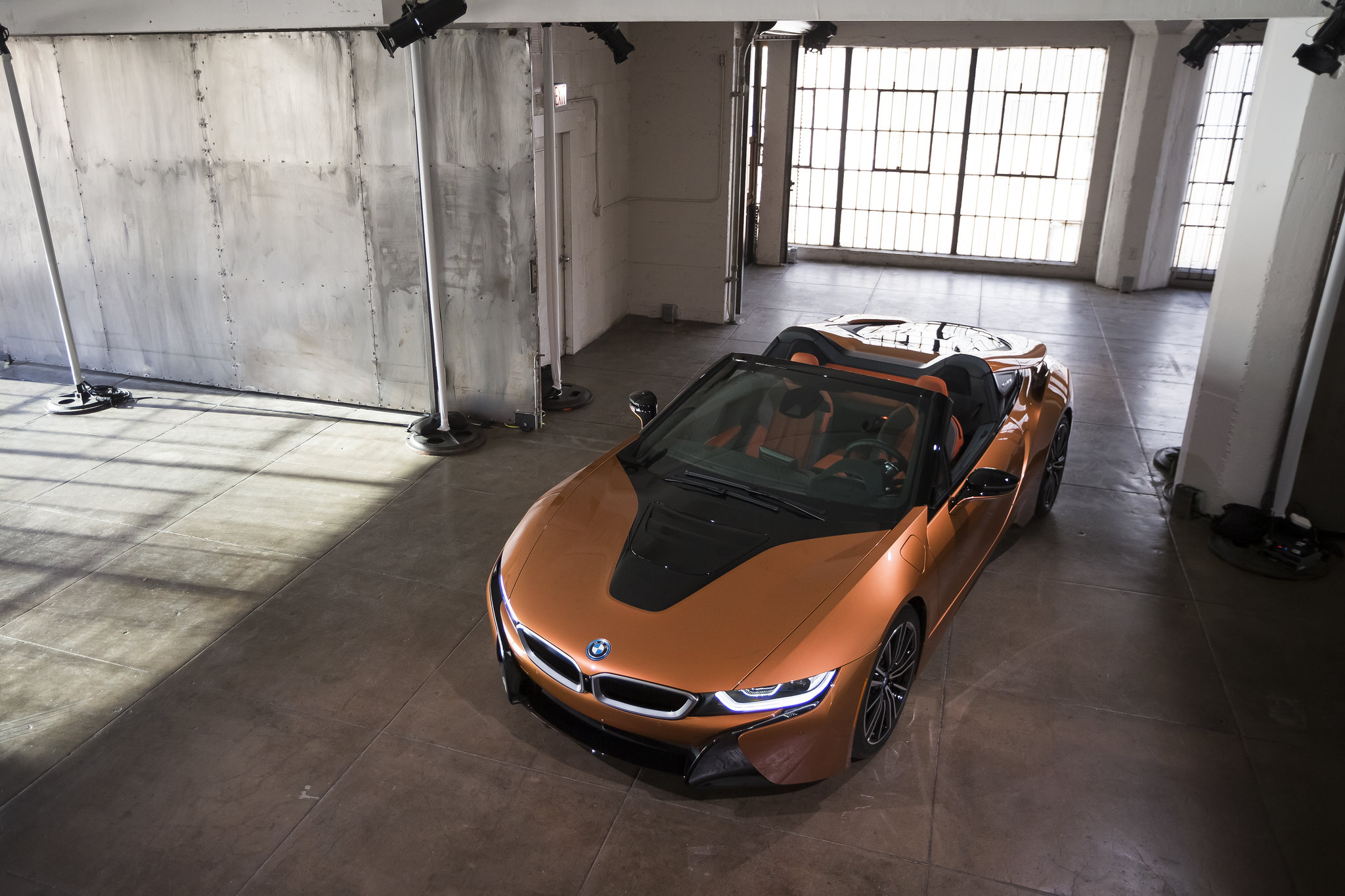 This is the new BMW i8 Roadster