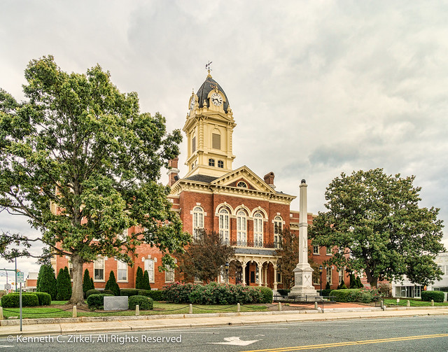 Union County Courthouse and Civil War memorial, Monroe, NC