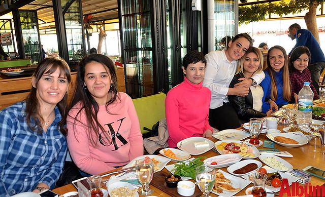 Alanyum AVM Boyner ekibi Mağazacılar Günü'nü kutladı -2