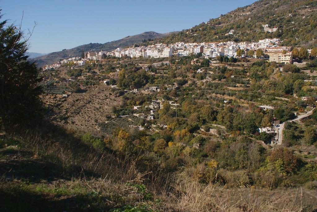 Ville blanche de Lanjaron dans la Sierra Nevada en Andalousie.
