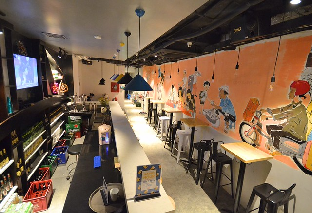 nexy hostel hanoi bar