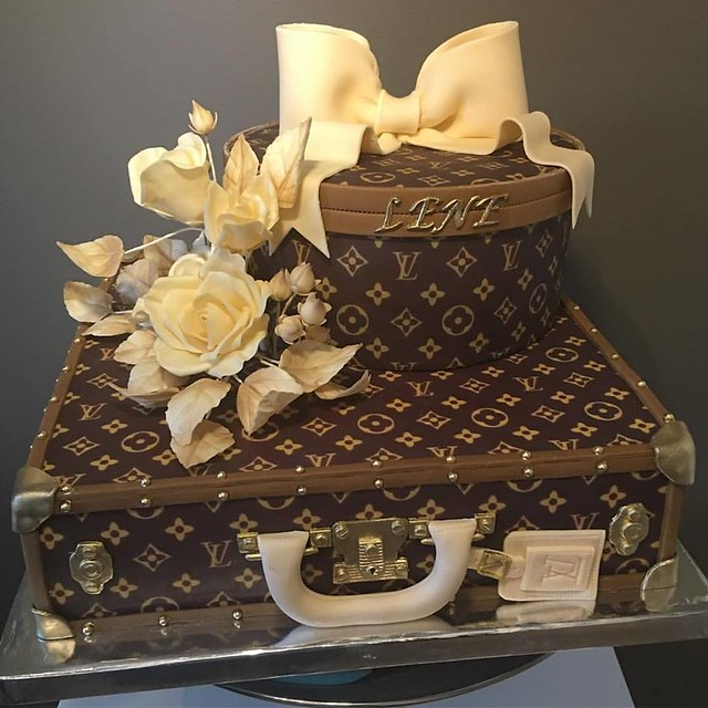 Cake by Oslo Custom Cakes