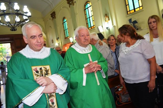 La comunidad de Luján de Lomas recibió a su nuevo párroco