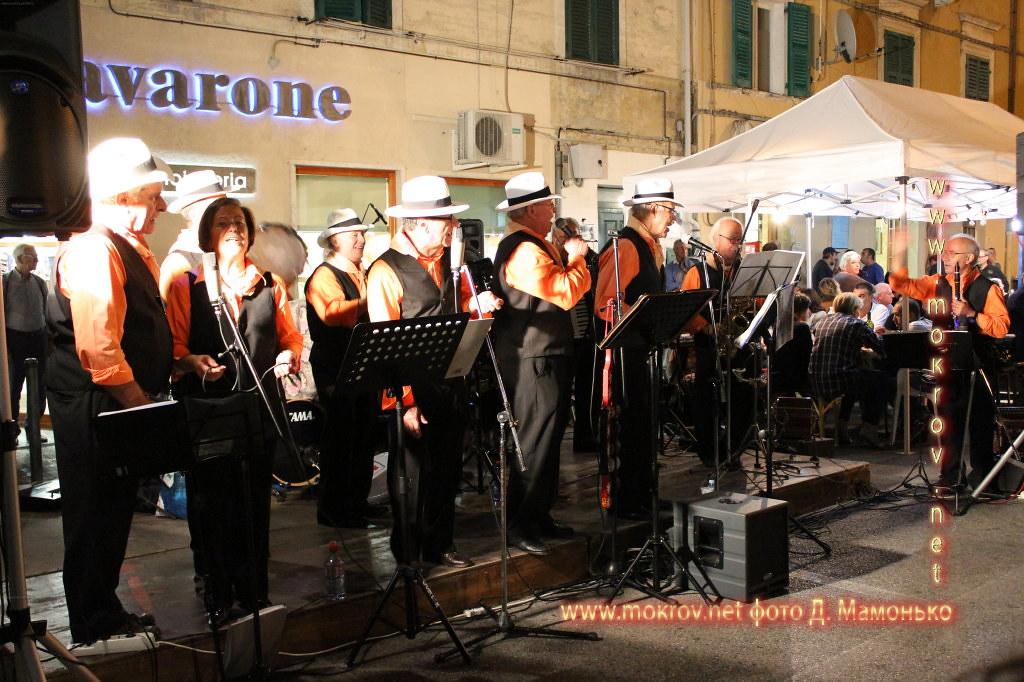 Анкона — город-порт в Италии фото