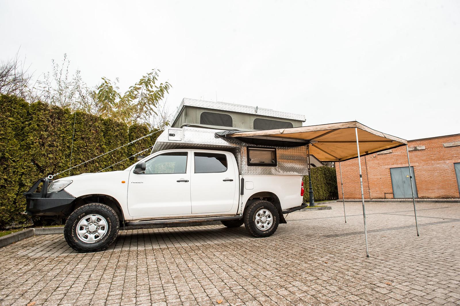 Продам Toyota Hilux Off-Road Camper 26970621749_fd3ee56e27_h