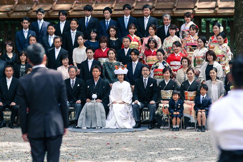 Wedding group picture at Meiji Jingu Shrine