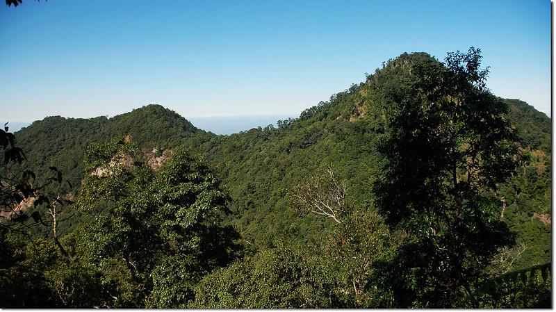 次郎山西望白毛山稜線