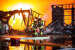 Lagerhallenbrand Mainz-Mombach 06.12.17