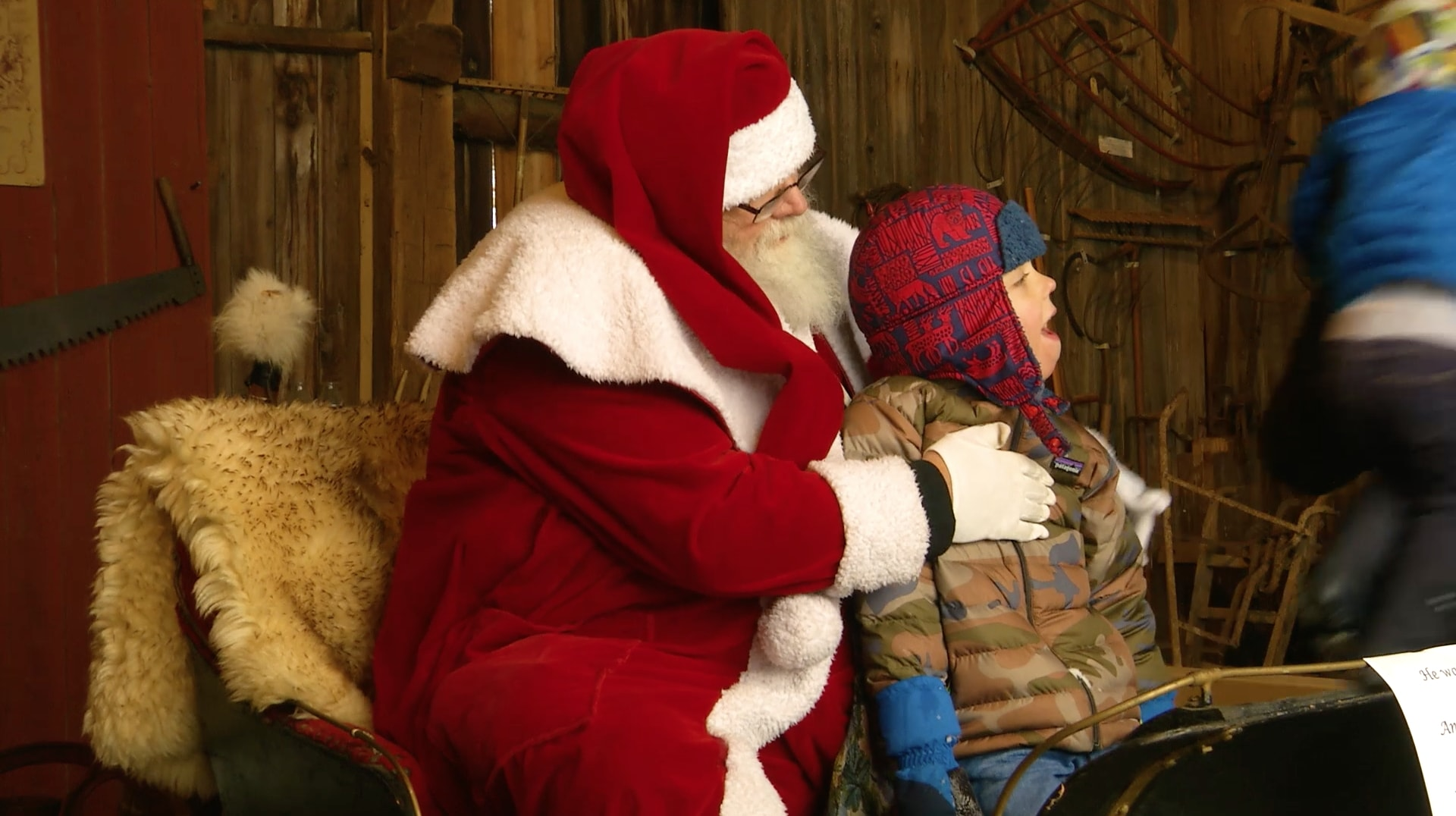 2017 Christmas in the Village Features Santa and Renaissance Singing