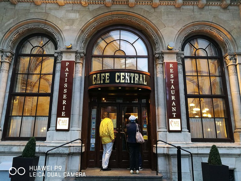2017 Europe Vienna Cafe Central 01