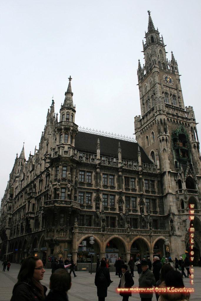 Мюнхен — город на реке Изар на юге Германии фотографии сделанные как днем, так и вечером