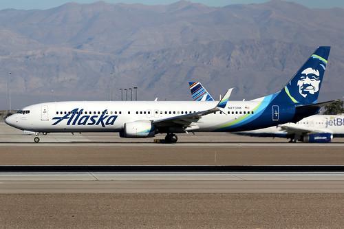 alaska alaskaairlines asa as usa boeing 737 737900 737900er boeing737 boeing737900 boeing737900er aircraft airplane airport plane planespotting lasvegas klas las n273ak canon 7d 100400