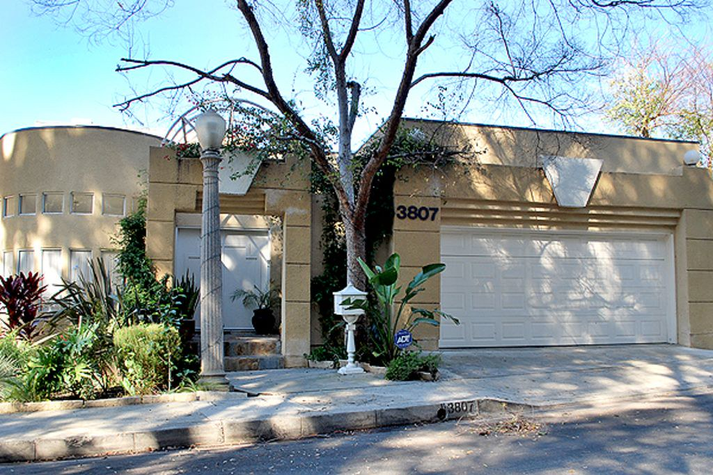 3881 Shannon Rd,Los Angeles,California 90027,1 Bedroom Bedrooms,1 BathroomBathrooms,Apartment,Shannon Rd,6486
