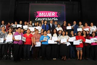 La Universidad San Ignacio de Loyola (USIL) y el Instituto de Emprendedores en alianza con Cálidda Gas Natural de Lima y Callao, finalizaron con éxito la etapa piloto del proyecto de responsabilidad social Mujer Empresaria...